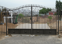 Retractable Driveway Gate Installation