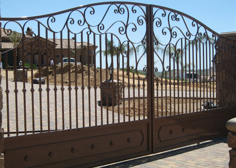 Traditional Style Driveway Gate Irvine