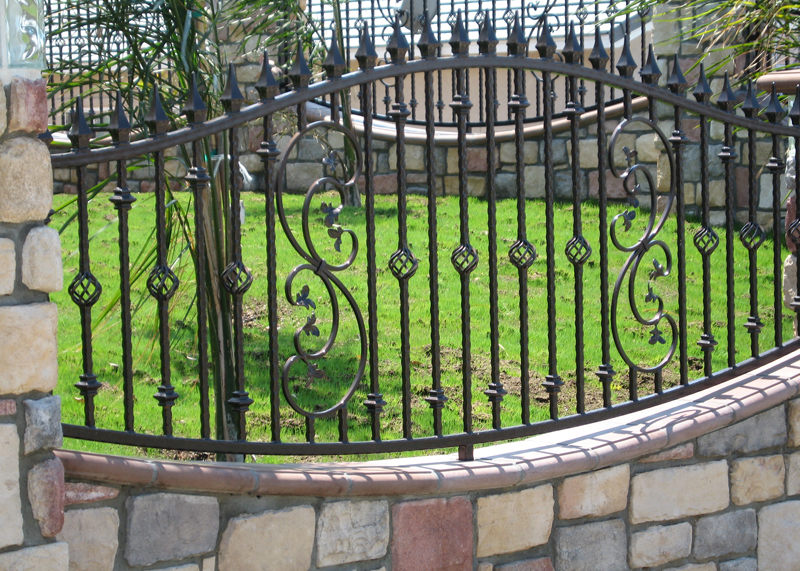 Iron Fence Installers Aliso Viejo